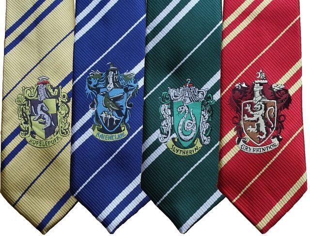 Cravatta Harry Potter Grifondoro Tassorosso Corvonero Serpeverde