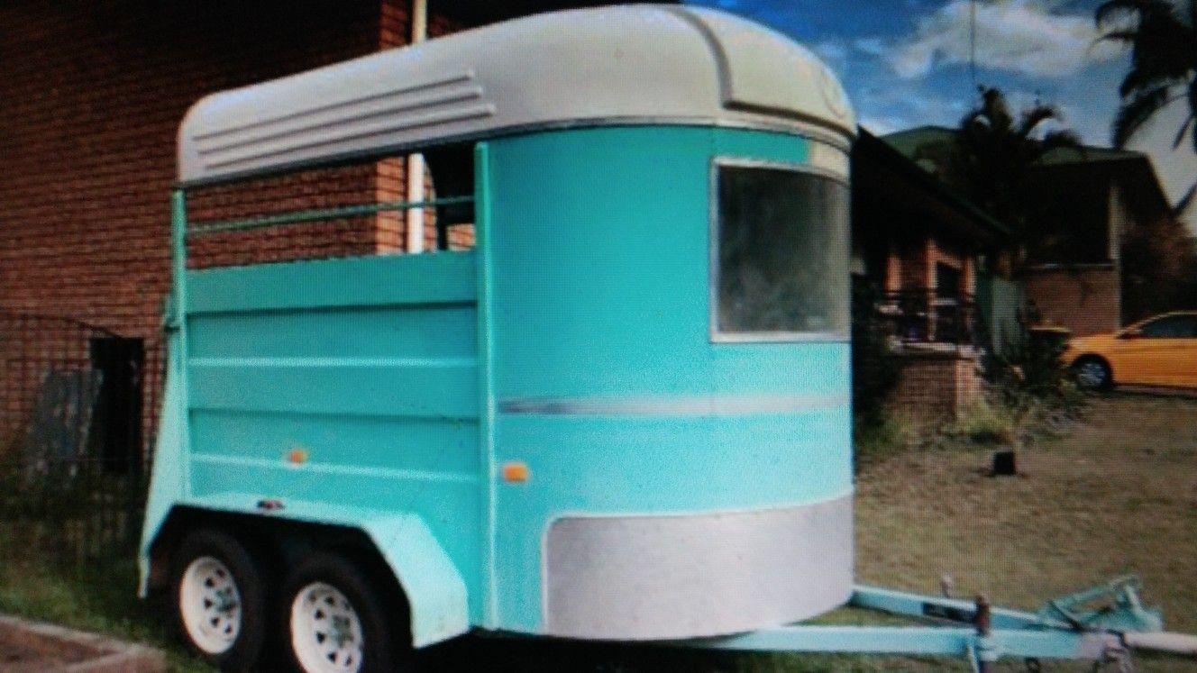 Karakar horse float /trailer ,80's,Australia Fifth wheel