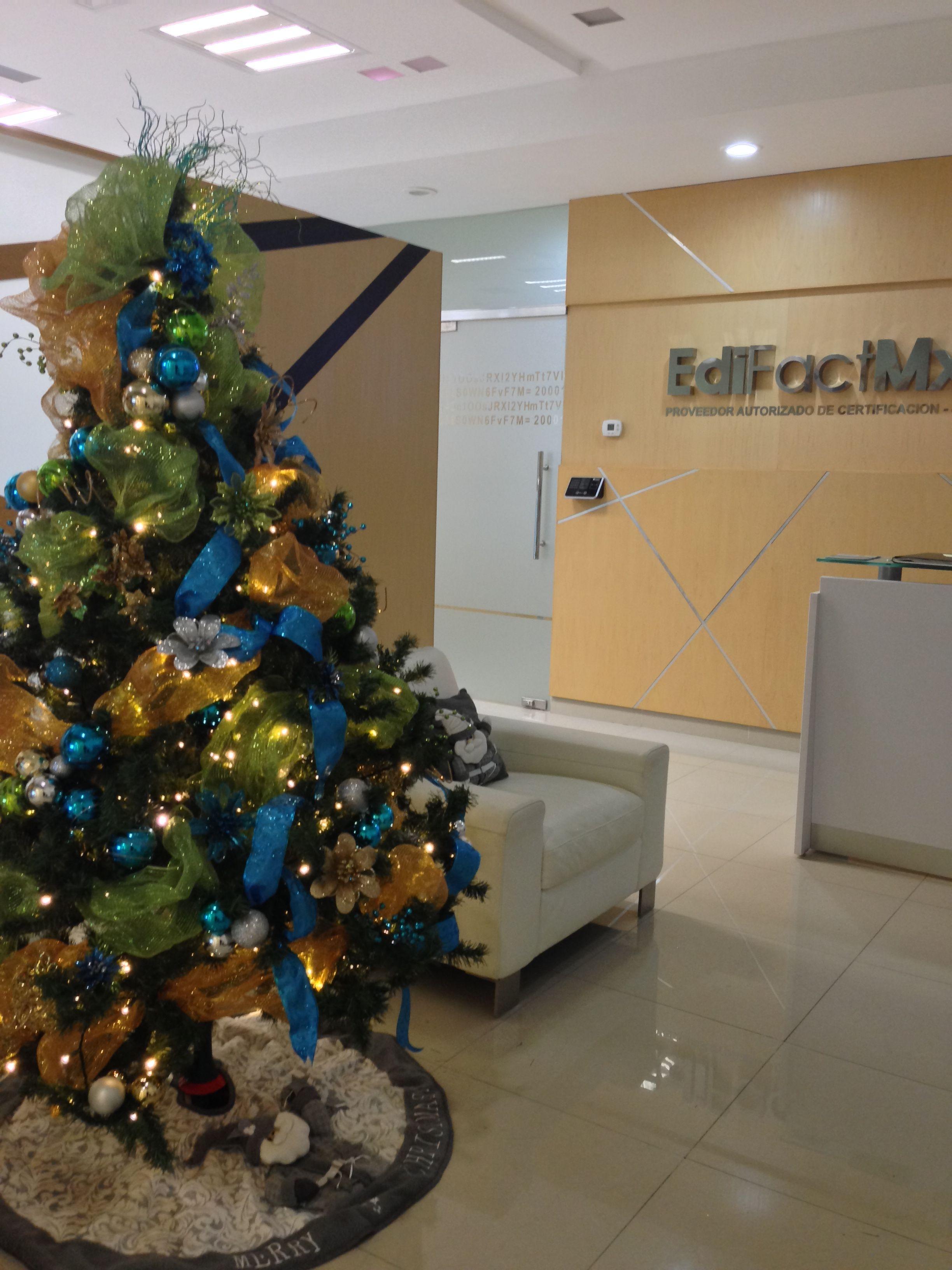 Decoraci n navide a para empresas y oficinas con los for Decoracion navidena oficina