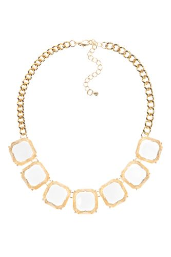 Super cute statement necklace that's not overpowering.