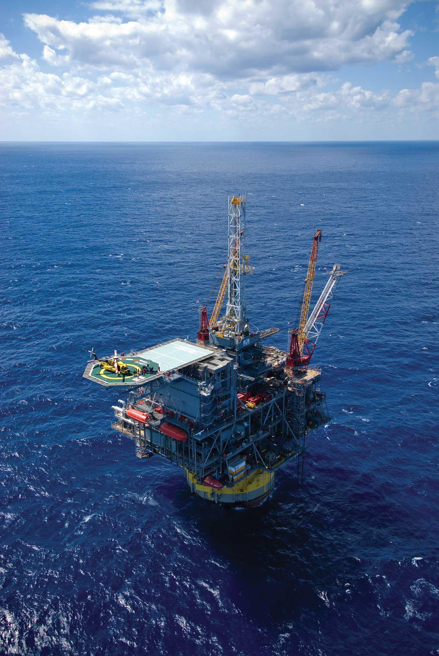 Shell's perdido spar   Oil & Gas   Oil platform, Oil tanker