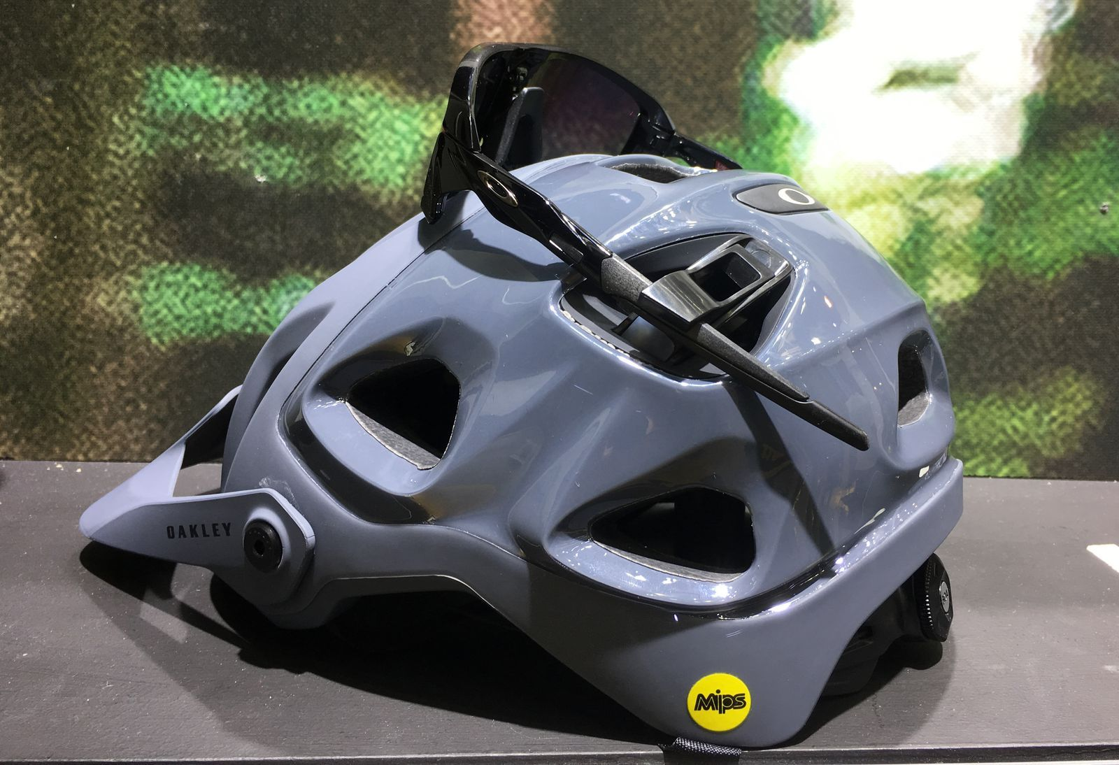 6633d019dc Oakley Is Now Making Mountain Bike Helmets and Apparel
