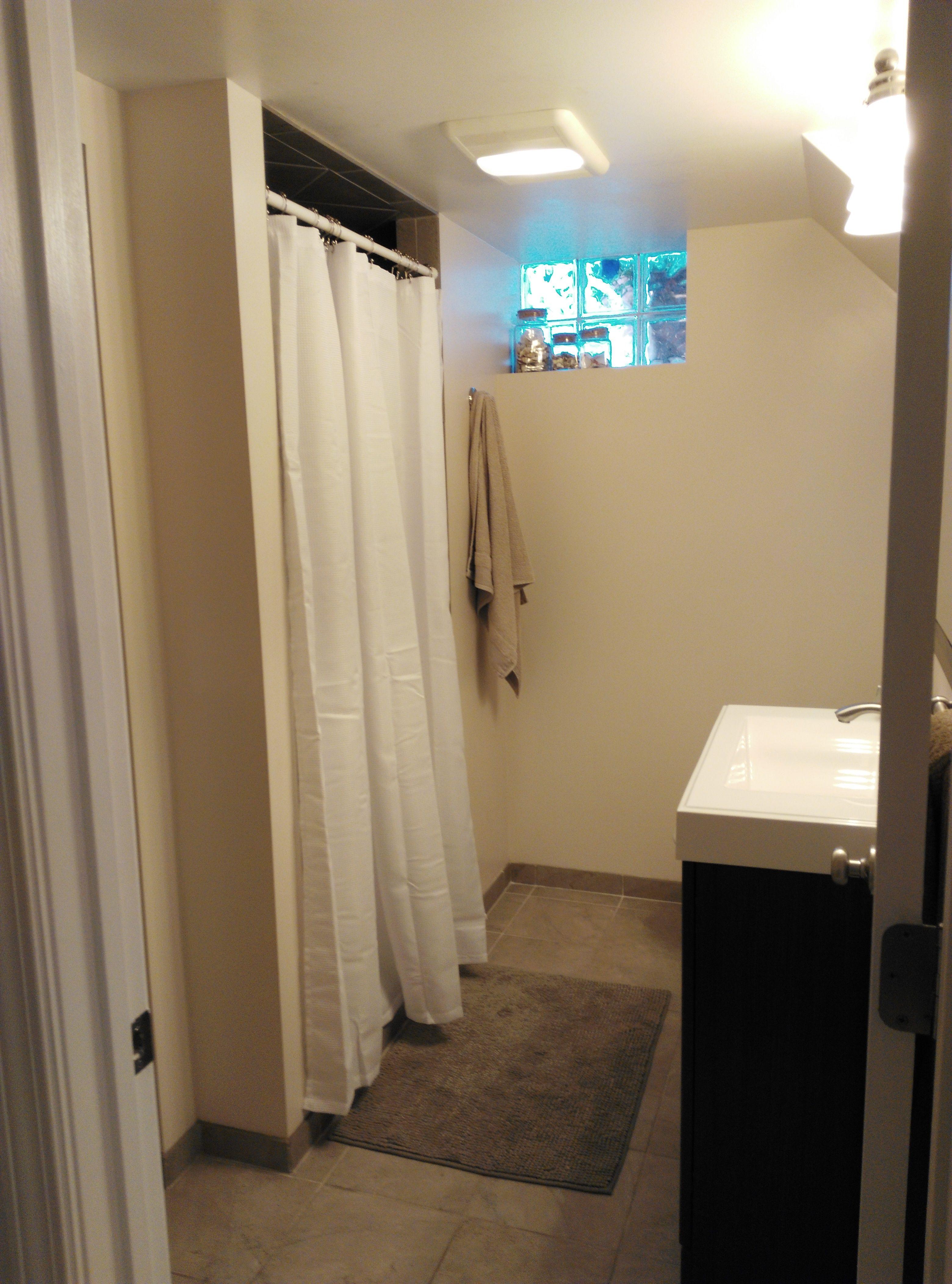 Haus außentor design bath   walls behr designer white  board for the future owners