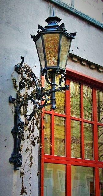 Pin Von Gloria Escalante Auf Janelas Fenster Und Turen Laterne Ideen
