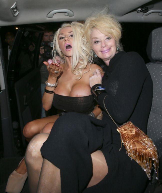 Courtney Stodden Slip Courtney Stodden Boobs Celebrity Big Brother Star Suffers Nip Slip On
