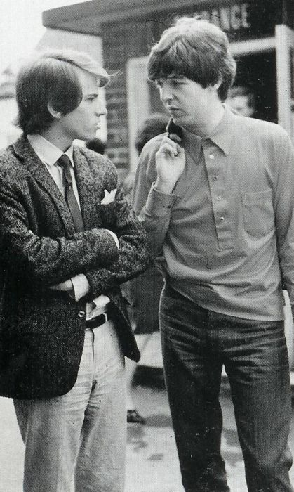 1965 - Paul McCartney with his brother Mike McCartney in Help ...