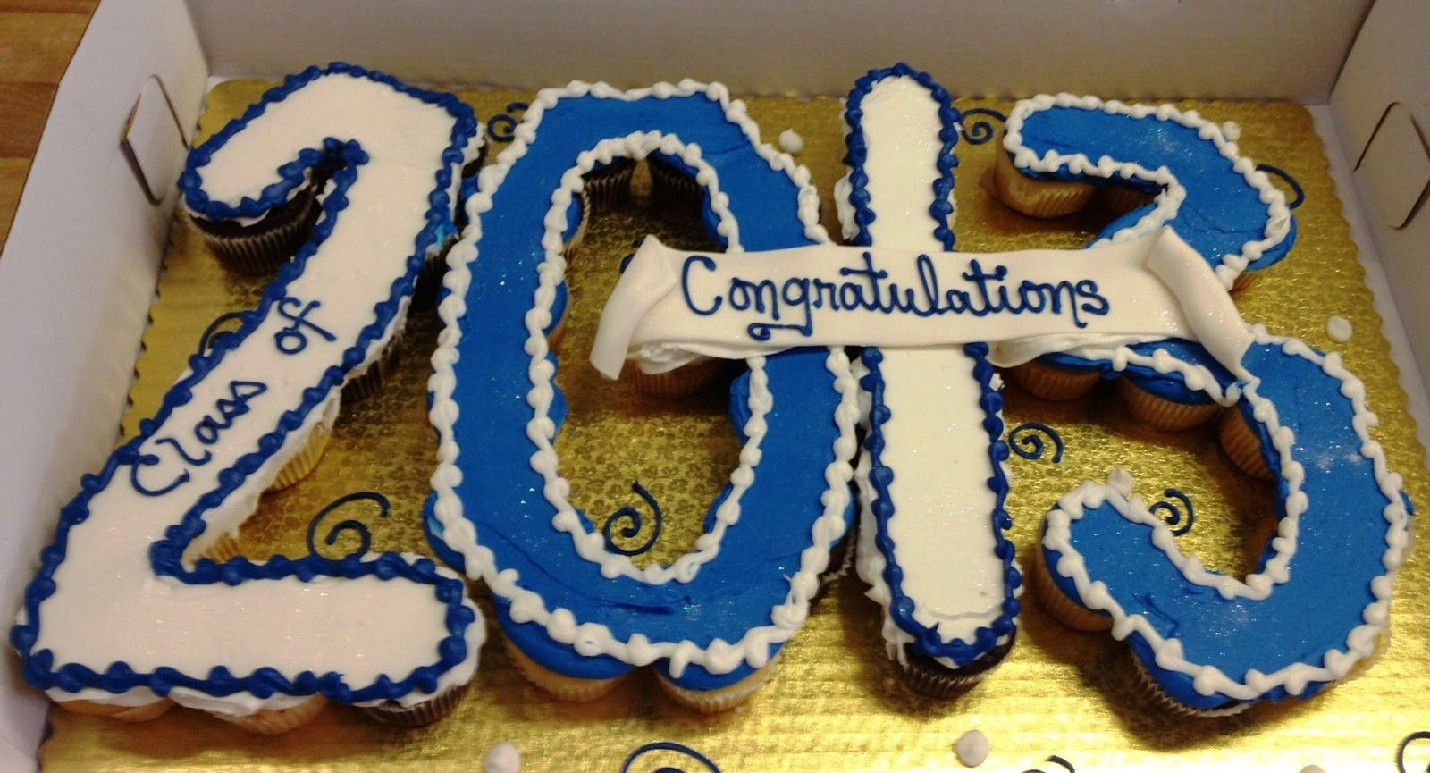 Cupcake Graduation Cake Ideas | Leslie's Cool Cakes from Stan's Northfield Bakery