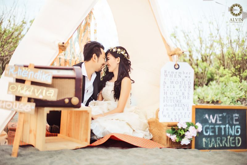 """Romantic Yogyakarta Wedding Venue: Happily Ever After At Their Small And Romantic """"home"""""""