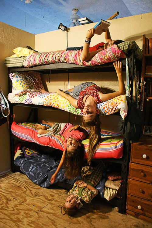 8 Kids In One Bedroom Great Idea For Bunks From Heavy
