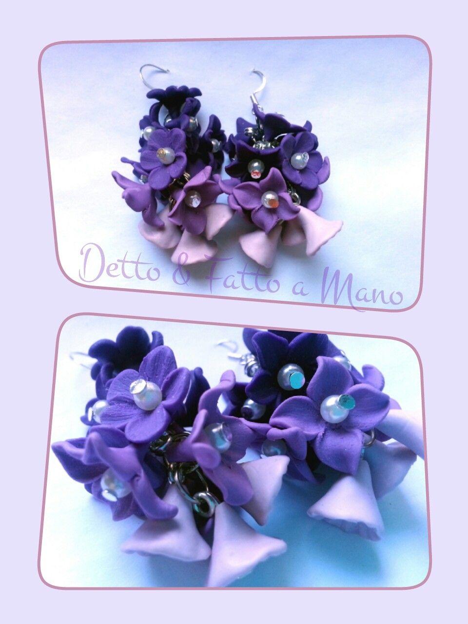 Orecchini a grappolo con fiorellini in pasta polimerica, sfumature del viola