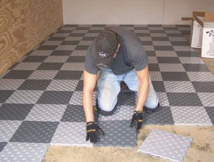 Lookin Sny Snap Together Garage Floor Tile Is Quick And Easy