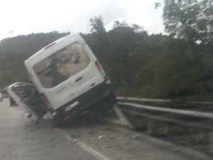 Flaminia, spettacolare incidente tra Spoleto e Terni