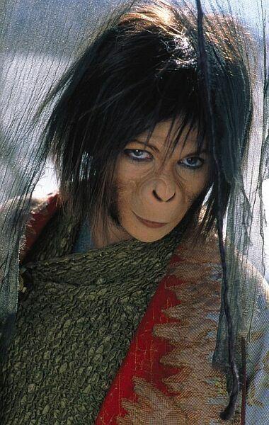 Still of Helena Bonham Carter in Planet of the Apes (2001 ...
