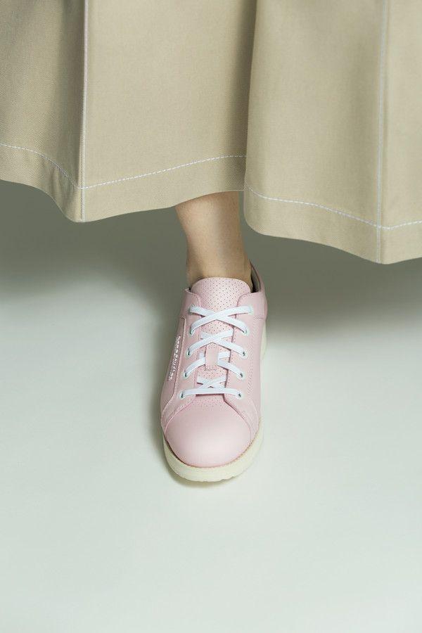 548bdfa8829 Acne Studios Kobe powder pink Low cut sneakers   Neutrals   Sneakers ...