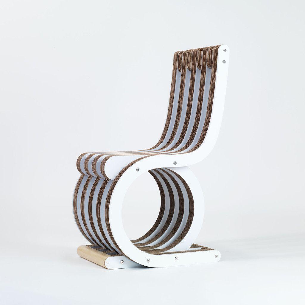 Sedia in cartone twist chair laccato bianco di lessmore - Mobili di cartone design ...