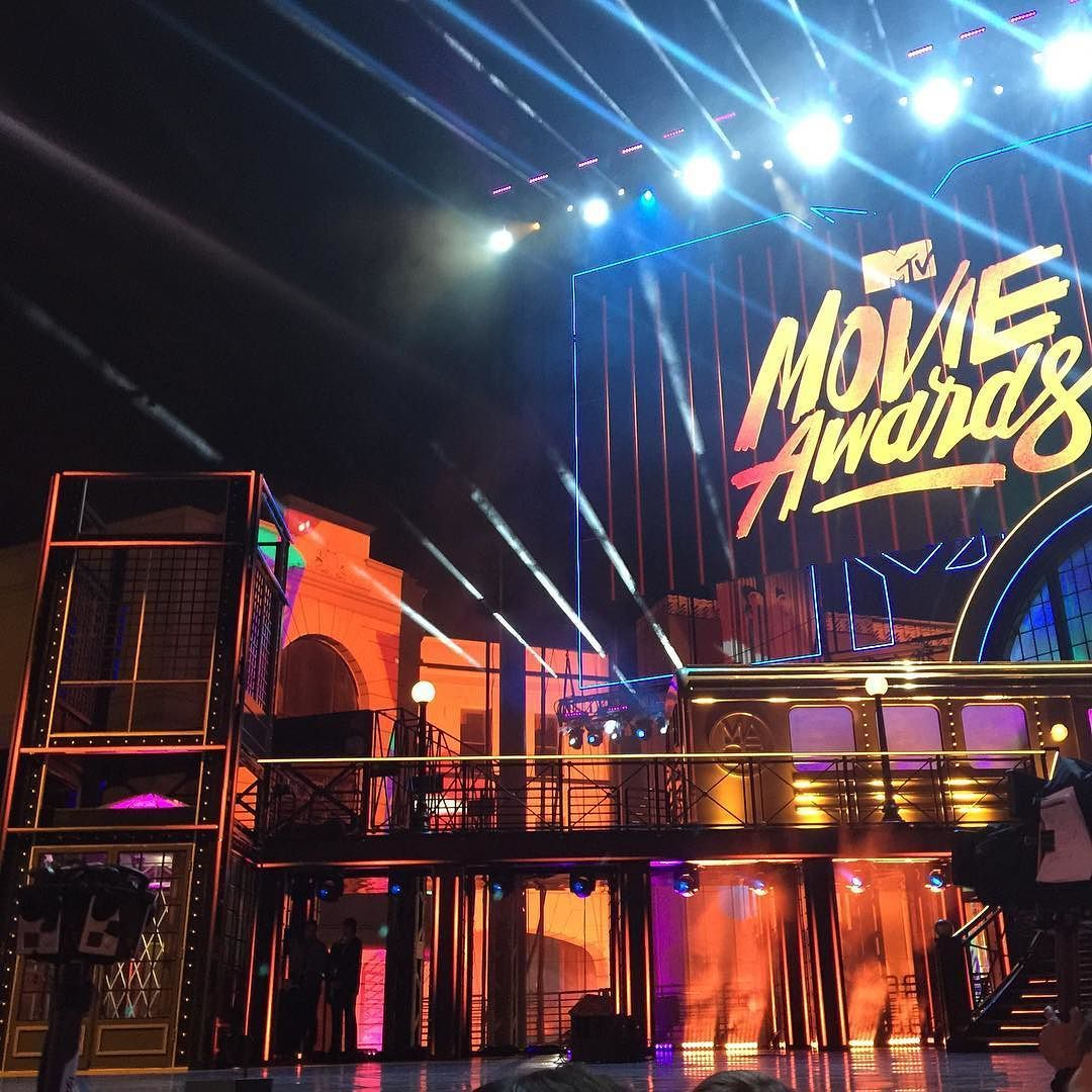 We brought vr to the @mtv movie awards for the first time in history @pvndvfvce http://youtu.be/uGj8aTUcd3o  #vr #virtualreality #360 #oculus #mtvmovieawards #gopro #vive #360degreevideo #samsunggear #youtube #mtv by larrysusan - Shop VR at VirtualRealityDen.com
