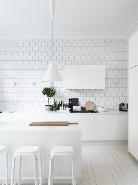 Cucina Total White | camere | Pinterest | White subway tiles ...