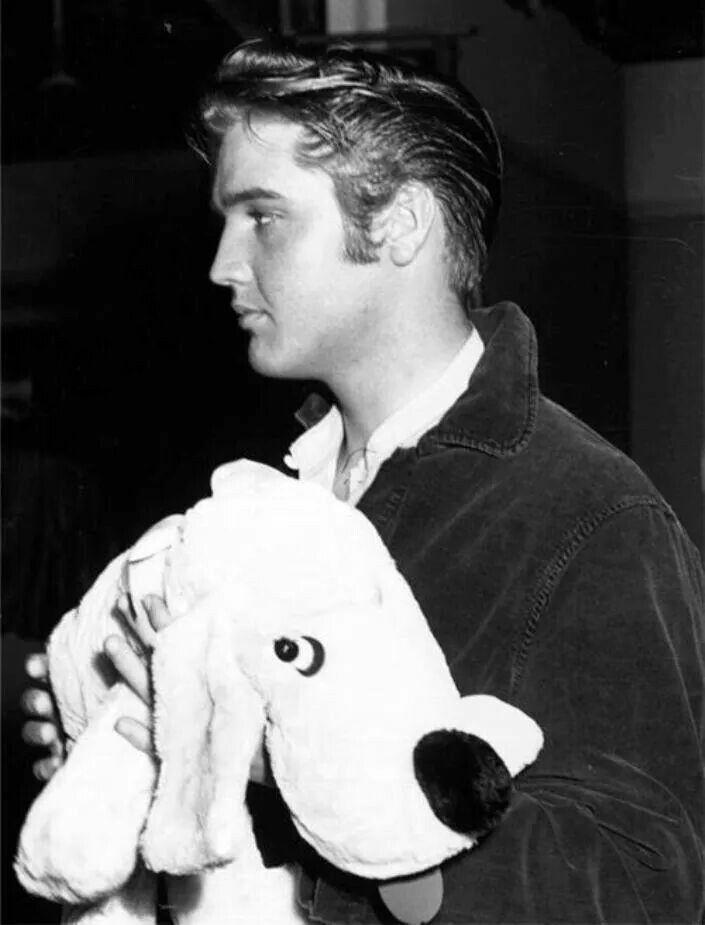 """Elvis """"Love Me Tender"""" set"""