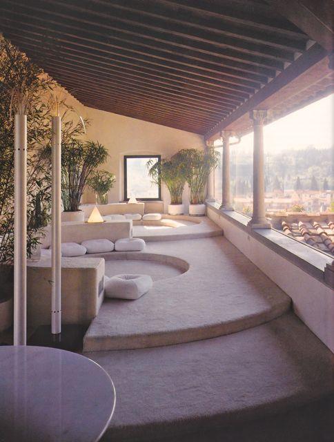 MONDOBLOGO: need a decorator? rich? like modern? is it