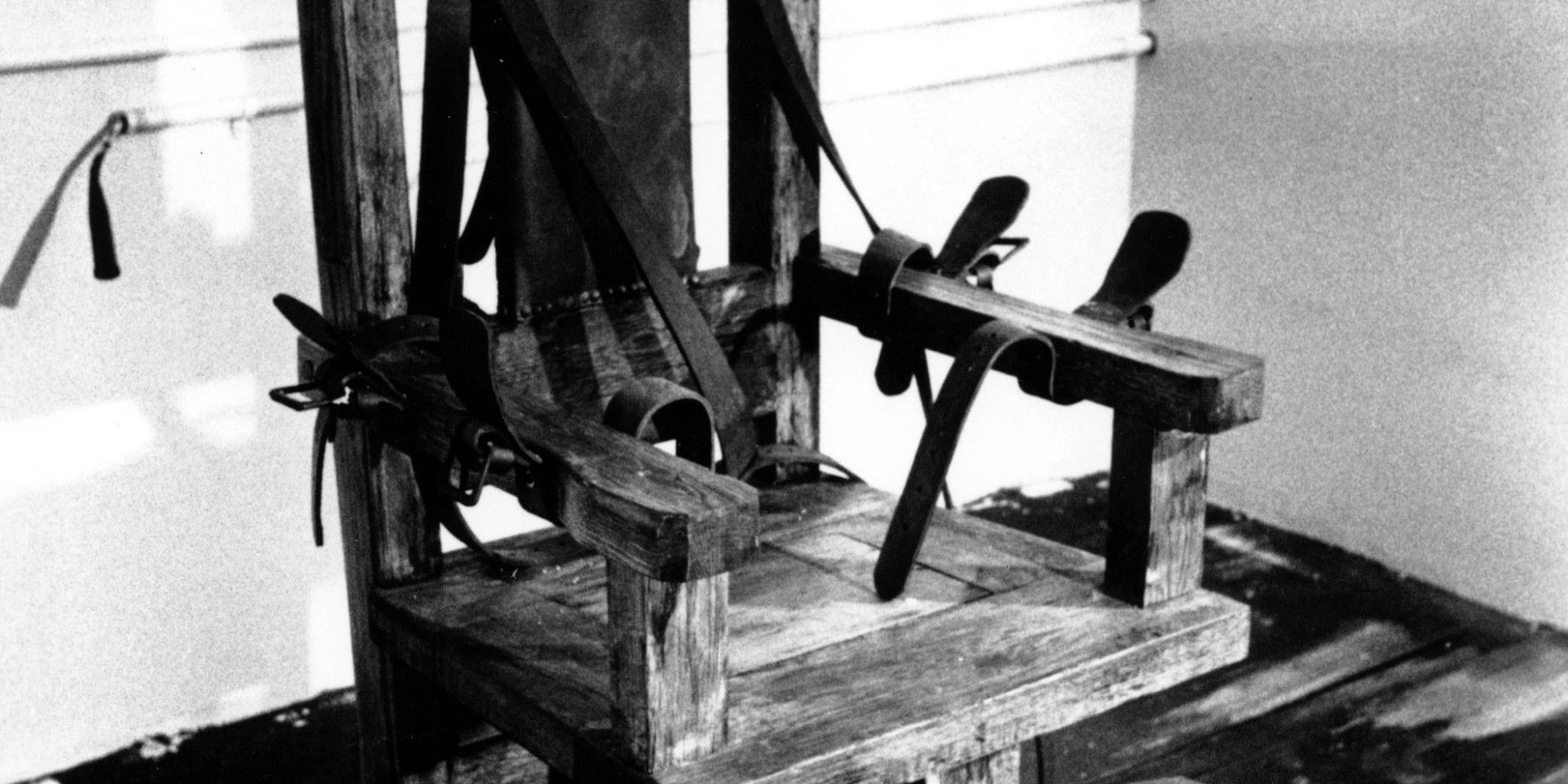Electric chair chamber - Associated Press May 2014 Tennessee Governor Signs Bill Returning Electric Chair To Execution Chamber