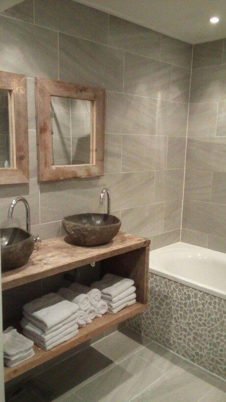 Natuurstenen waskom, mozaïek tegels bad - Landelijke badkamermeubels ...