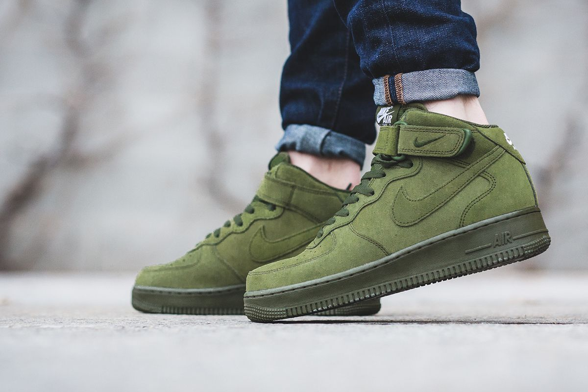 "Nike Air Force 1 Mid '07 ""Legion Green"" Sneakers fashion"