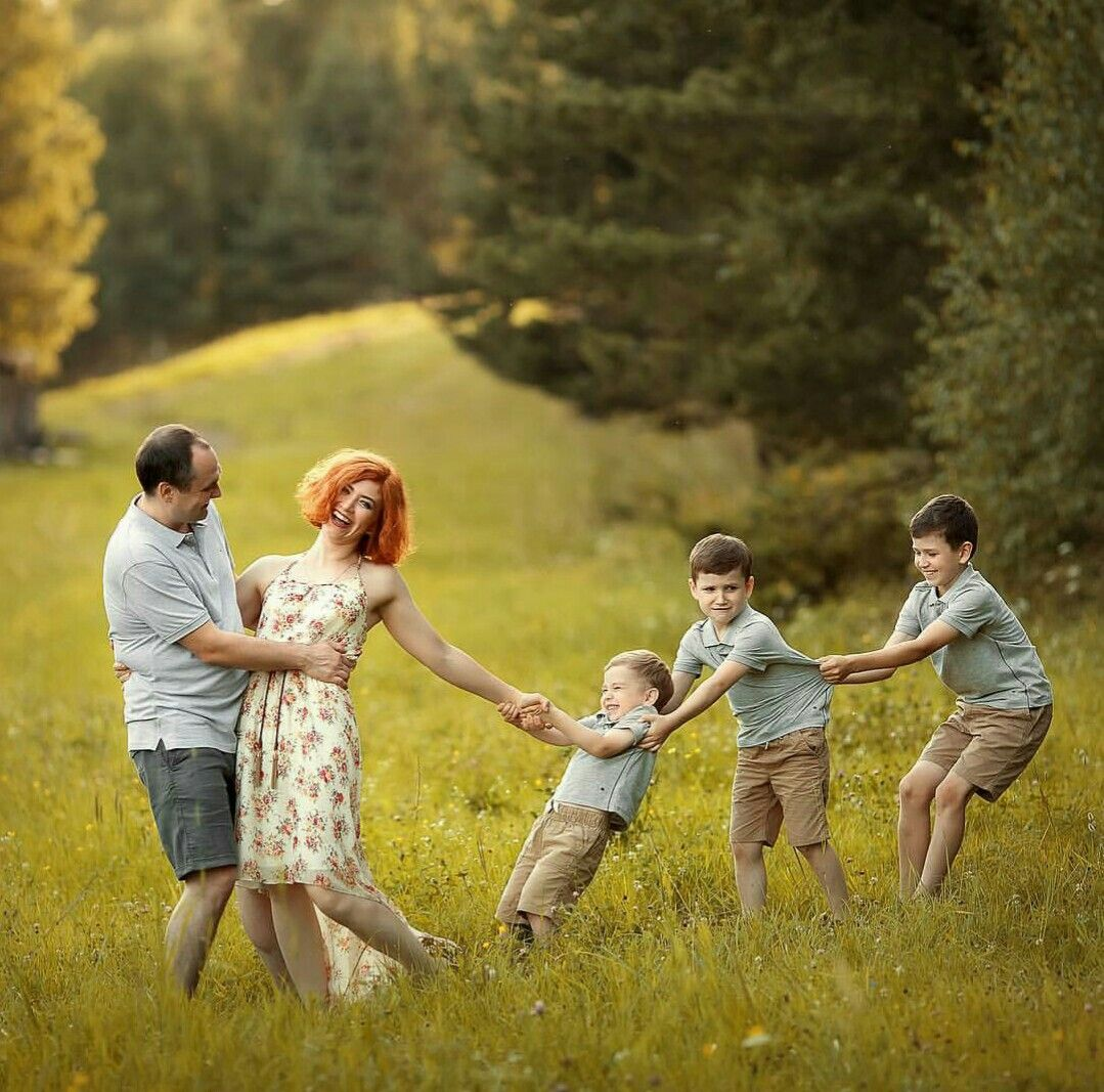 как поставить семью на фотосессию звездочки причины