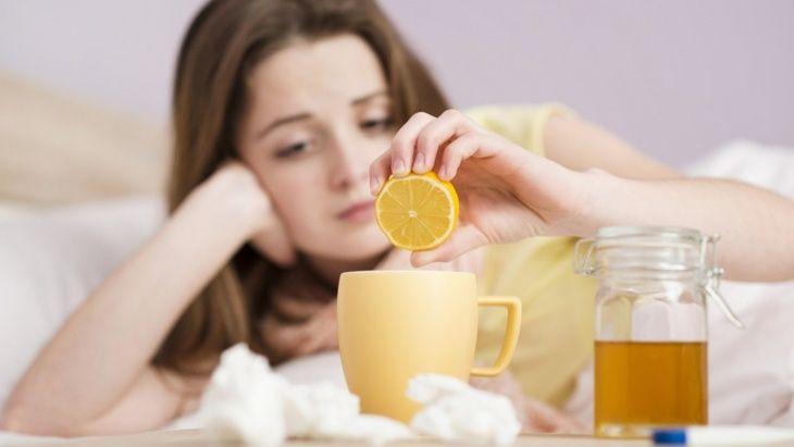 6 وصفات طبيعية لعلاج التهاب الحلق في فصل الشتاء Views