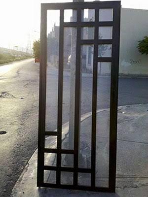 Image result for puertas entrada principal con cristal y reja - puertas de entrada