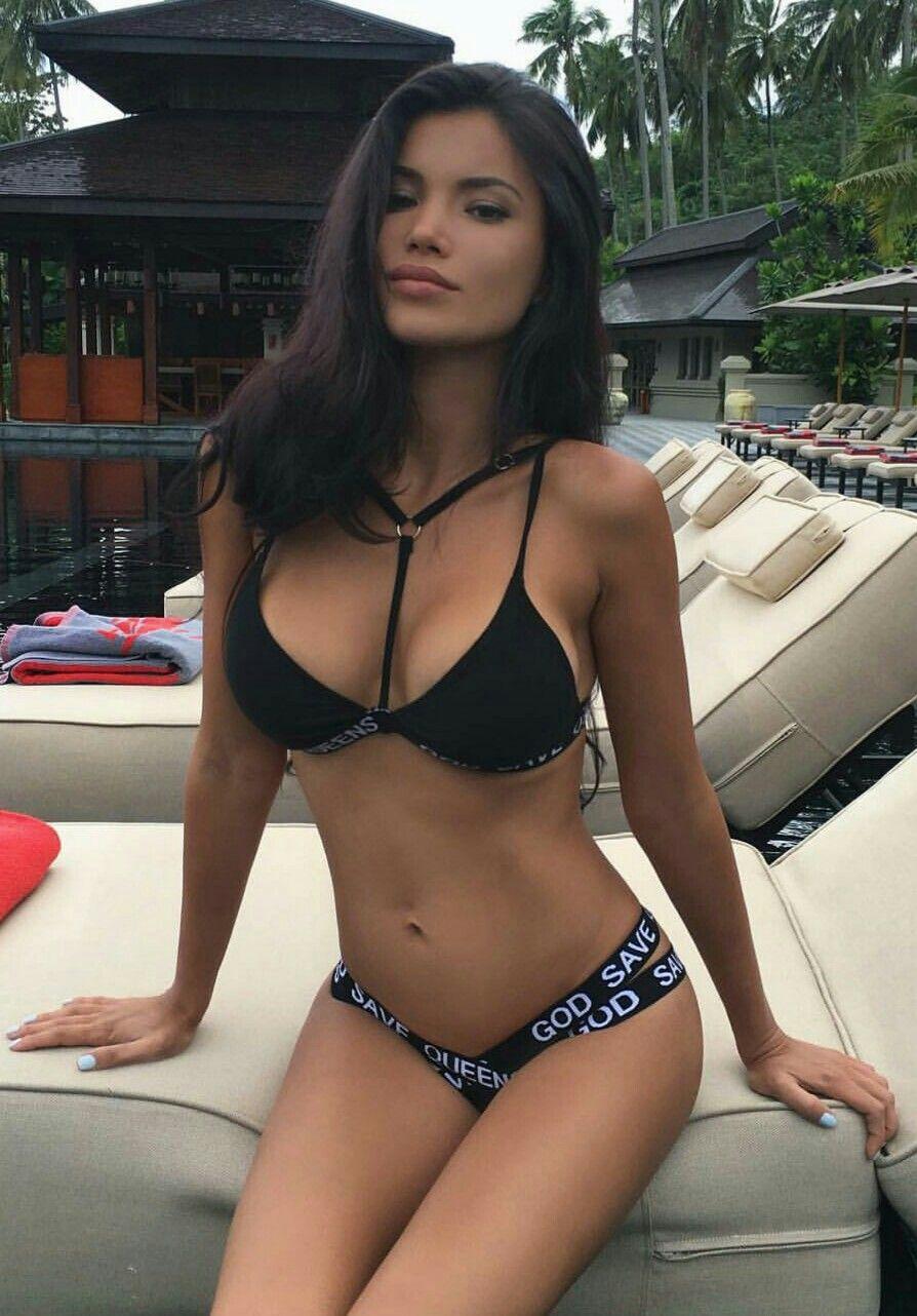 Svetlana Bilyalova Bikinis Lányok eef38c3a0f