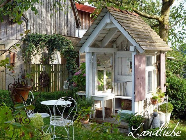 CottageGarden seating area Cottage garden, Garden nook
