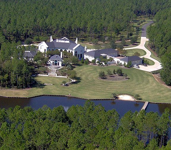 Brett Favre S House In Mississippi Say That Brett Has Done