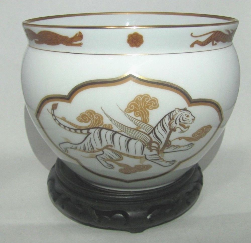 Vintage japanese okura vase 1 978 franklin porcelain collection vintage japanese okura vase 1 978 franklin porcelain collection white tiger reviewsmspy