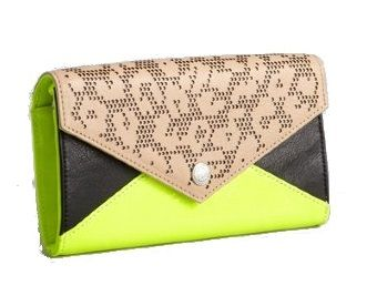 Rebecca Minkoff Black And Chartreuse Patent Leather Convertible Wallet http://www.zoanne.com/bags/Rebecca-Minkoff-Black-And-Chartreuse-Patent-Leather-Convertible-Wallet $135