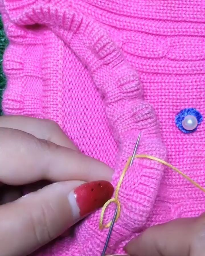 2,646 Me gusta, 7 comentarios - Manualidades Creativas (@tusmanualidades.de) en Instagram: Sewings tips for everyone. Lindos tejidos y bordados hechos a mano para adornar tus prendas y… #tejidos