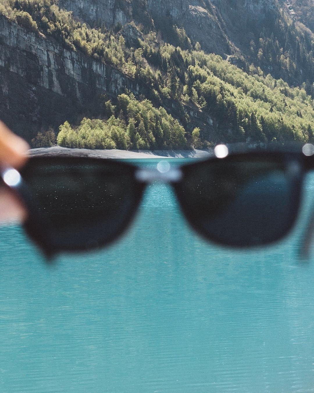 Wenn ich in den Bergen unterwegs bin nehme ich Sonnenbrille immer mit!  Wie schützt du dich vor der Sonne? Zeig es uns: Poste dein Bild bis zum 21.8.16 mit dem Hashtag #janichtrotwerden.  Zu gewinnen gibts u.a. eine GoPro ein Fitbit oder Kopfhorer. Mehr Infos findest du hier: @janichtrotwerden.ch Re-post by Hold With Hope