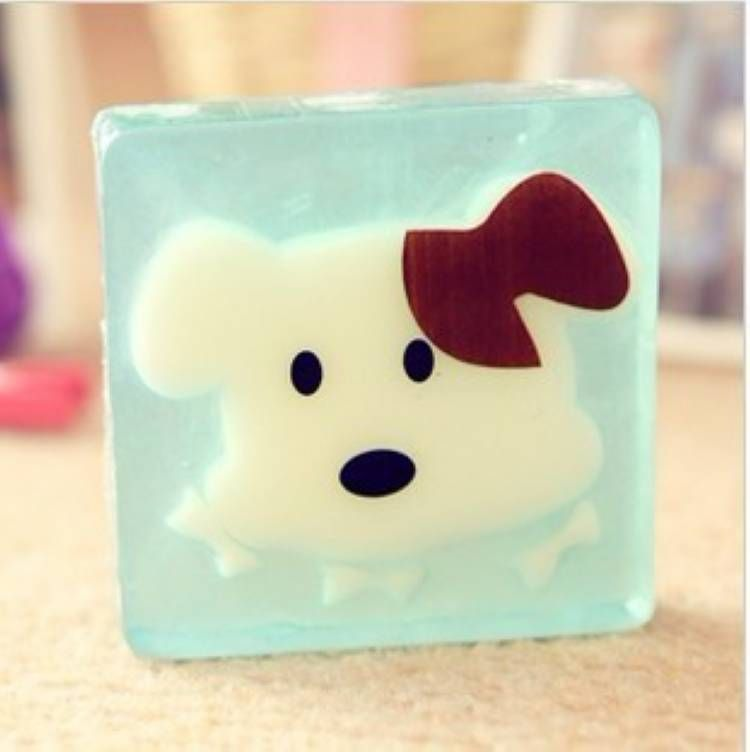 Skin whitening moisturizing soap to clean the skin cartoon dog pattern small gift gift soap