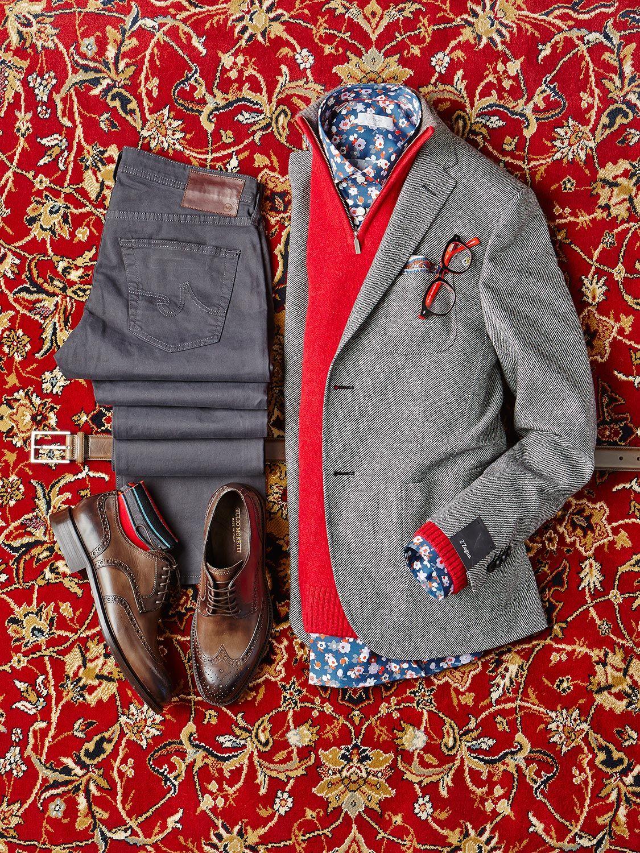 sapatos, jeans cinza escuro, camisa social florida, sweater, blazer
