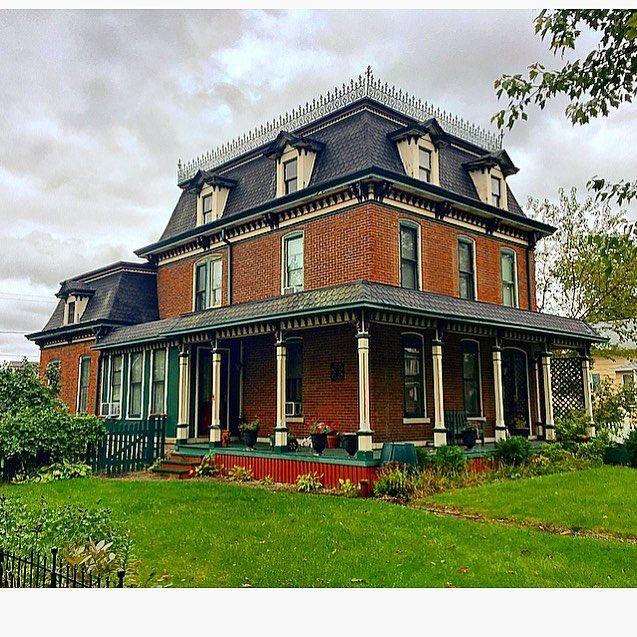 Monroe (Michigan) Victorian in 2018 Pinterest House, Victorian