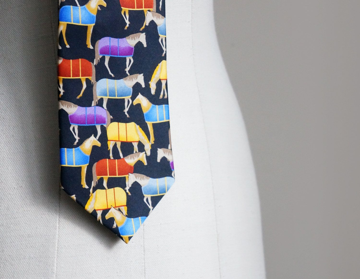 Vintage mens equestrian necktie, funny colorful tie with horses, Robin Ruth - http://bit.ly/1zB2eaq