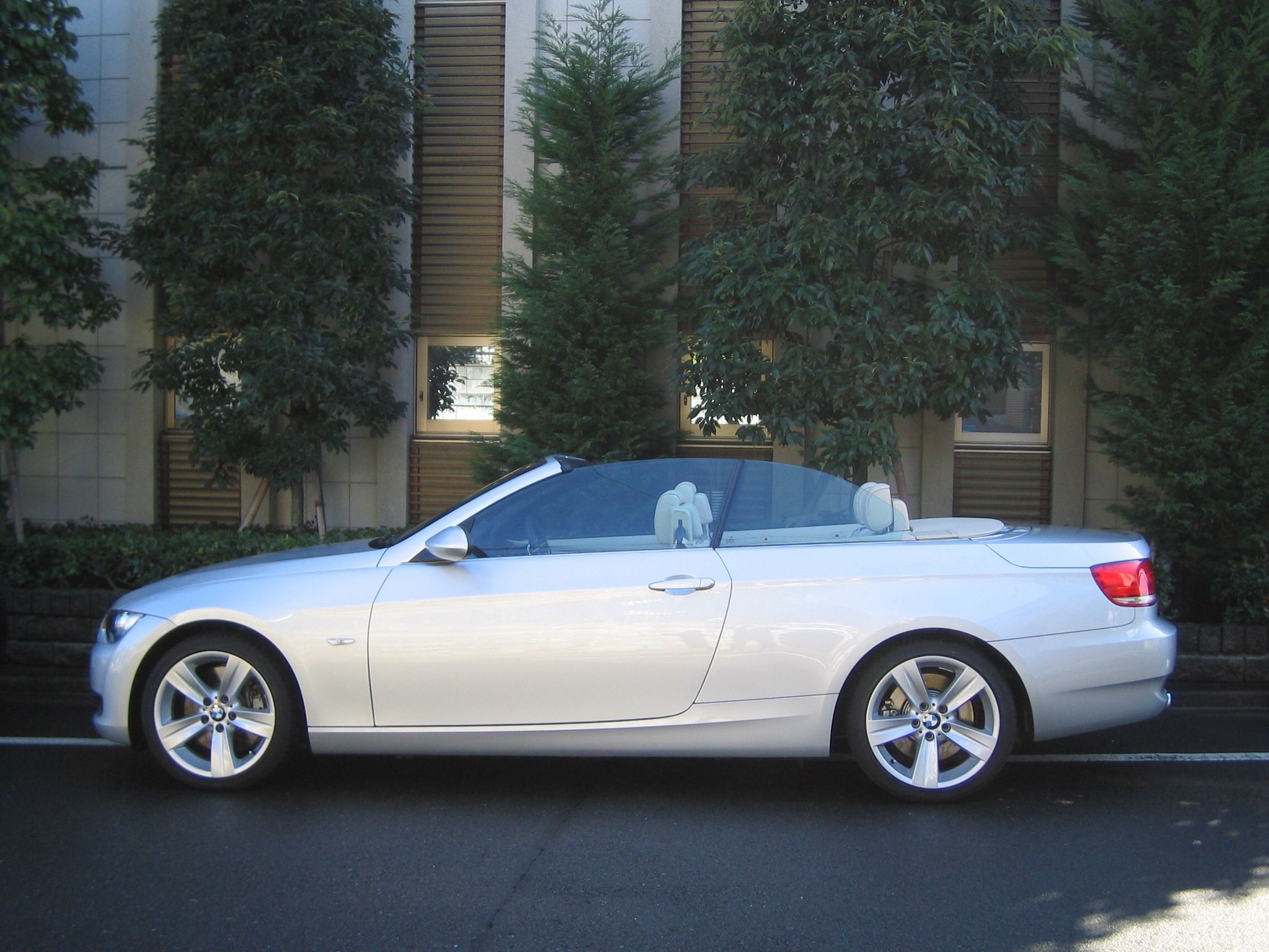 Very beautiful E93 335i Cabriolet with beige leather interior