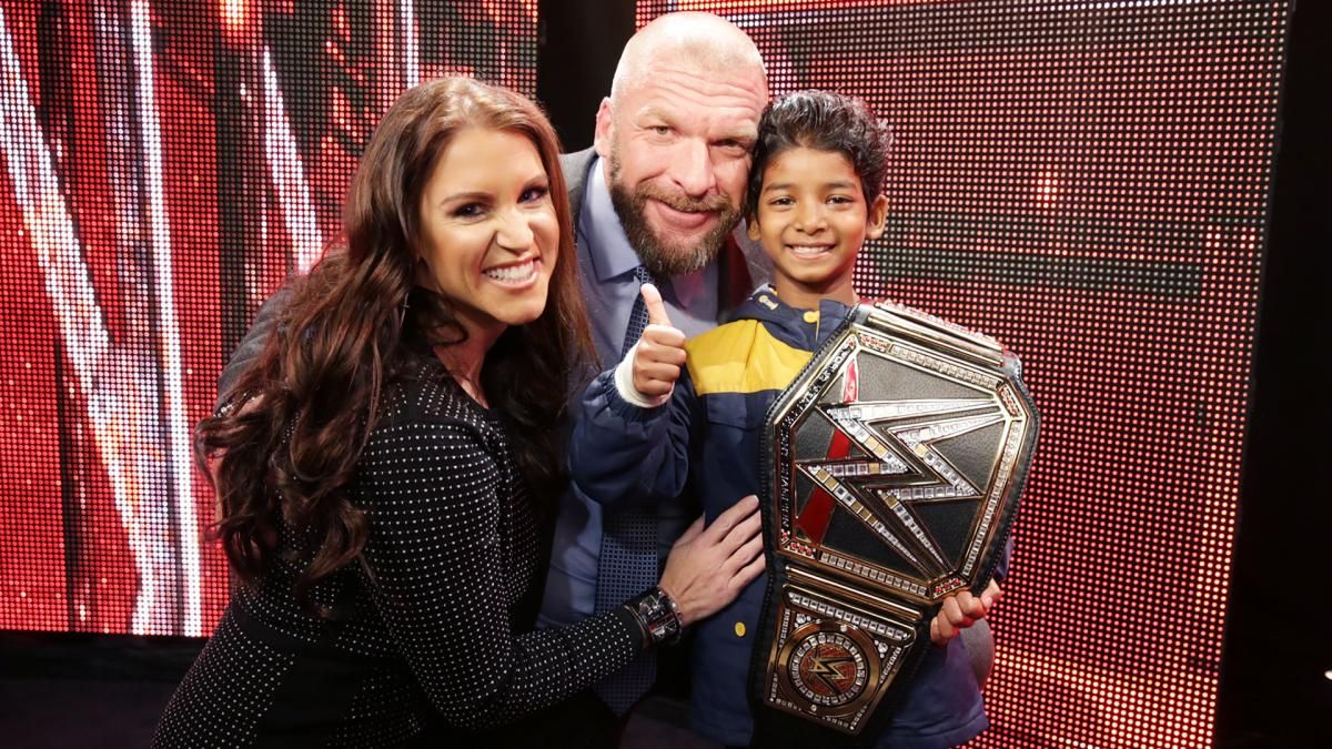 Celebrities meet superstars backstage at raw in los angeles photos celebrities meet superstars backstage at raw in los angeles photos m4hsunfo
