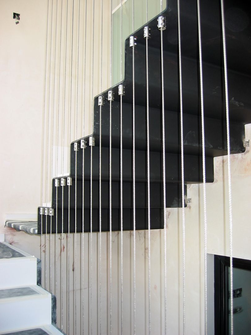 escalera metalica con cables de acero