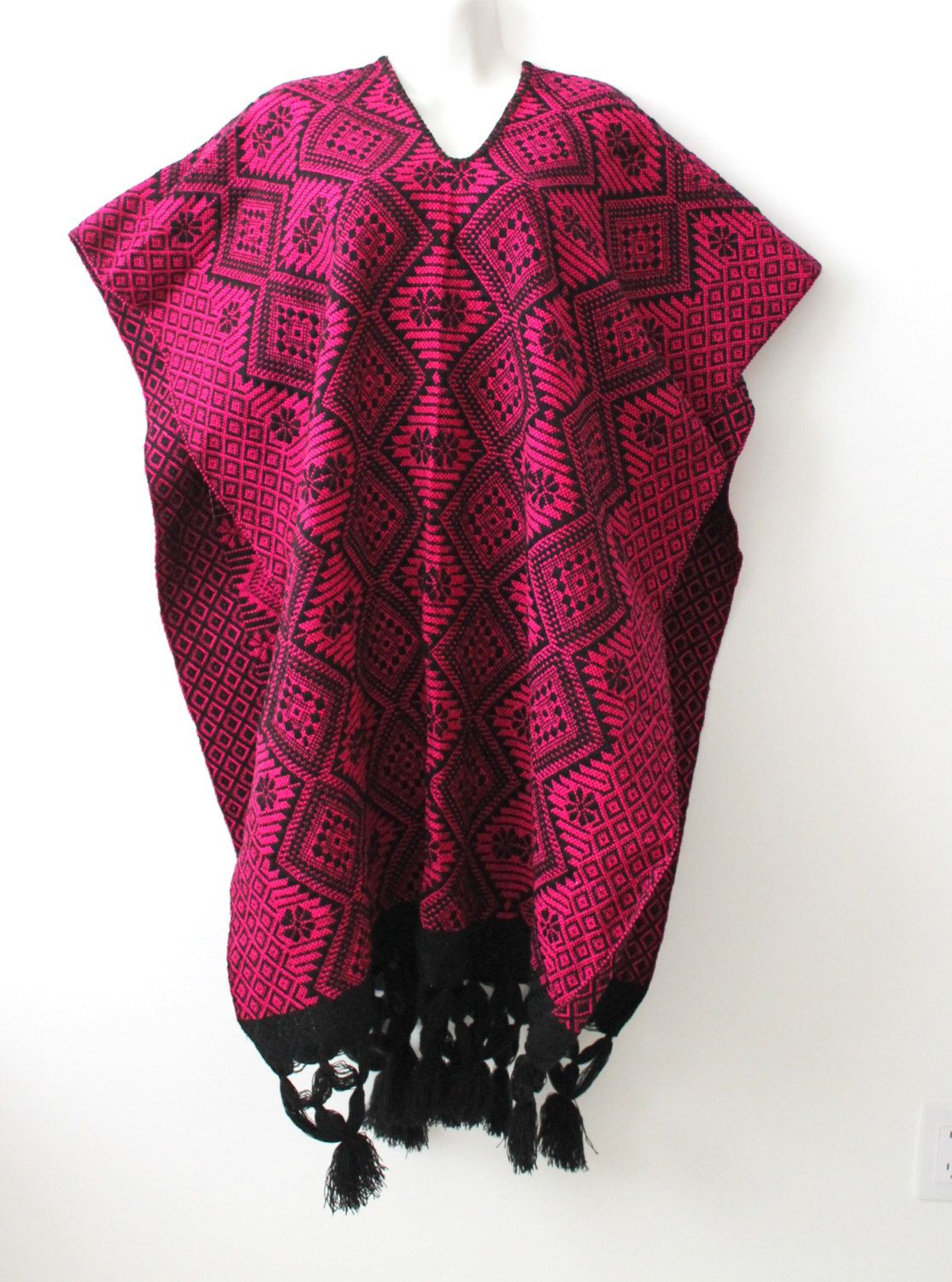Embroidered mexican poncho. Handcrafted in Mexico ...