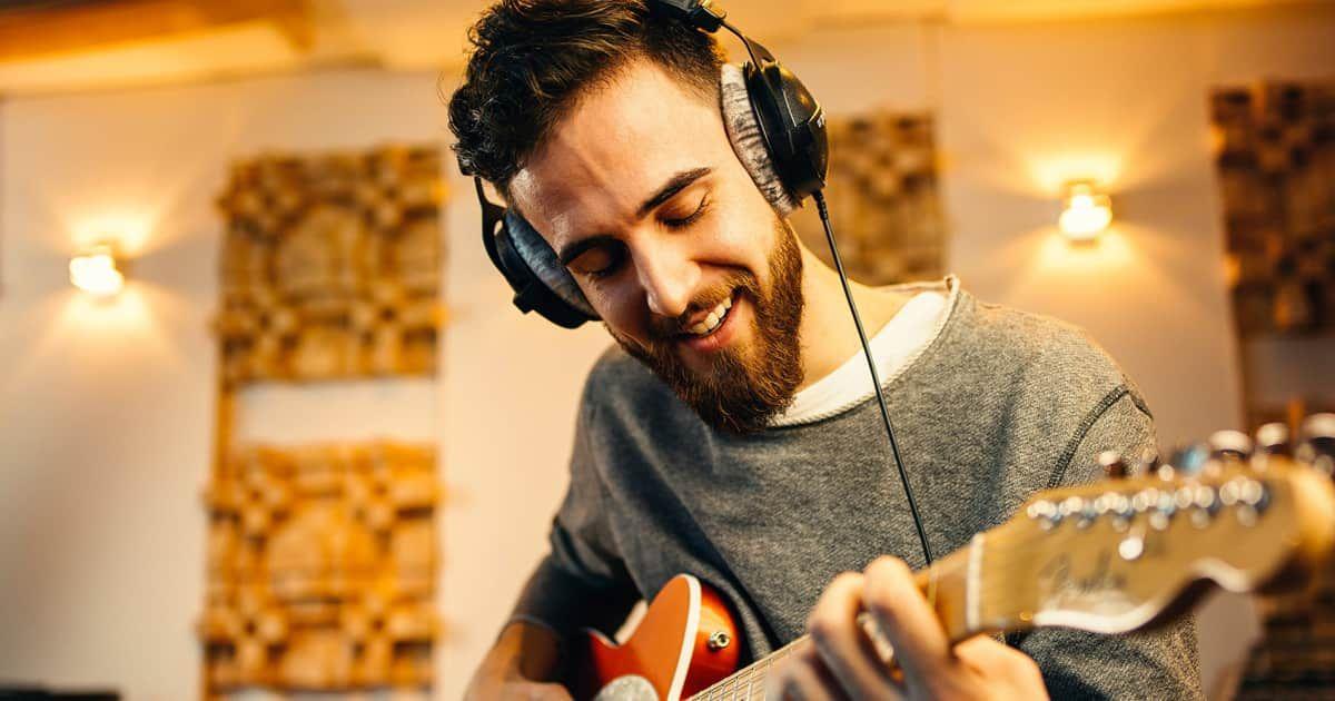 The 5 Best Headphones For Guitar Amps Guitar Best Headphones Best Acoustic Guitar