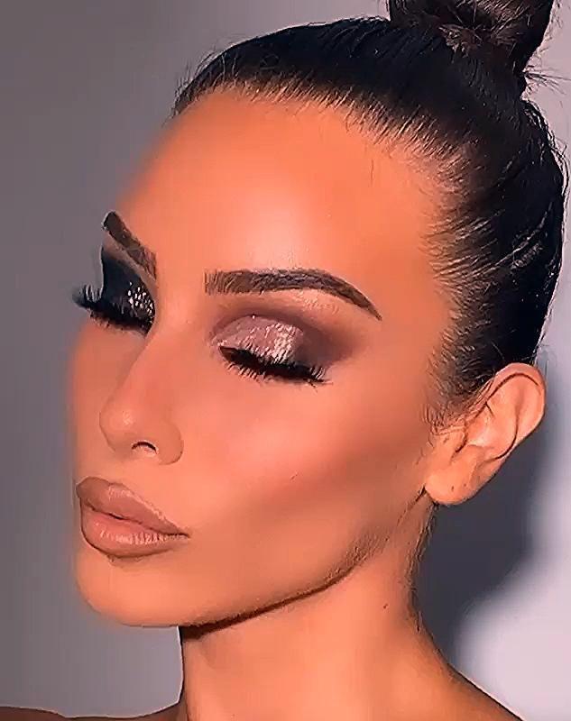 Christina Sikalias, Makeup Artist