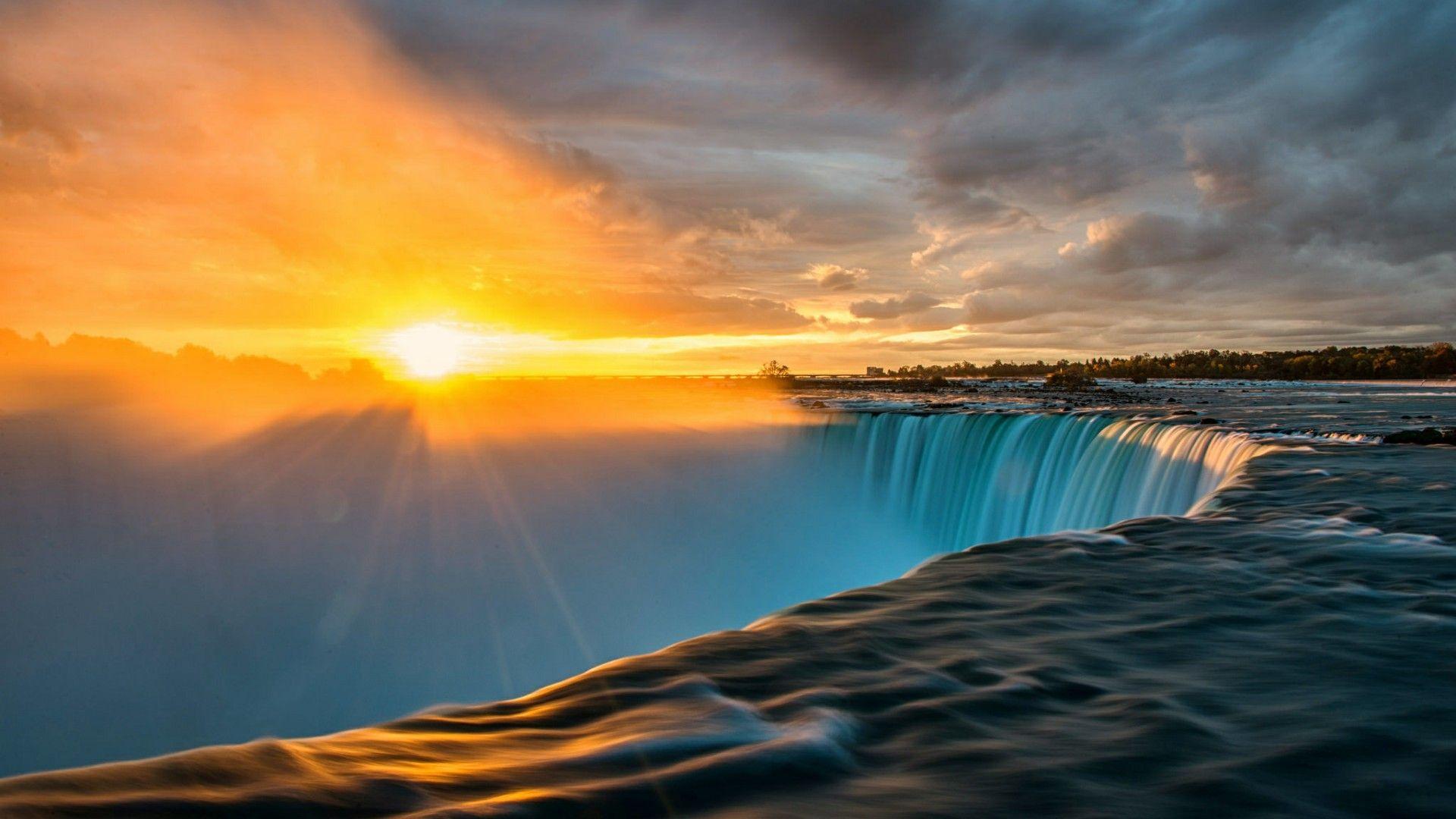 Beautiful Sunrise Over Niagara Falls Ontario Canada. #sunrise #vacation #travel #cooldown #