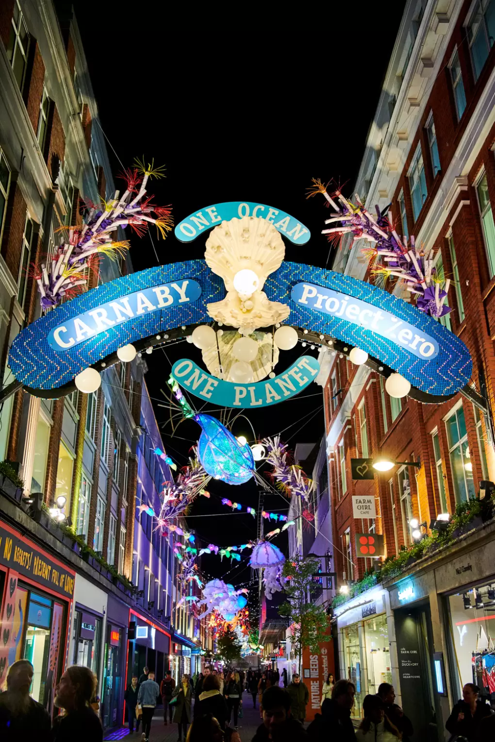 The Best Christmas Lights In London 2020 London Christmas Best Christmas Lights London Christmas Market