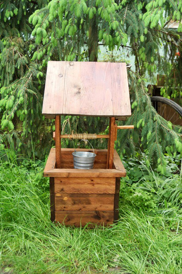 How To Build A Wishing Well Planter Howtospecialist How To Build Step By Step Diy Plans Diy Wishing Wells Outdoor Wood Projects Woodworking Projects