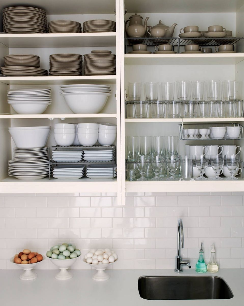 Organizing kitchen cabinets and drawers - How To Organize Kitchen Cabinets And Drawers With Large Spaces For Shelves For Bowls Plates Glasses
